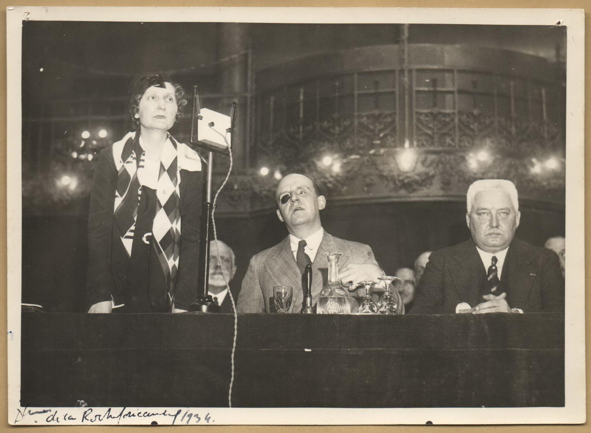 Edmée_de_La_Rochefoucauld_18951991__Photo_signée_en_1934_Edmée_de_La_Rochefoucauld_18951991__Femme_de_lettres_Assez_bon