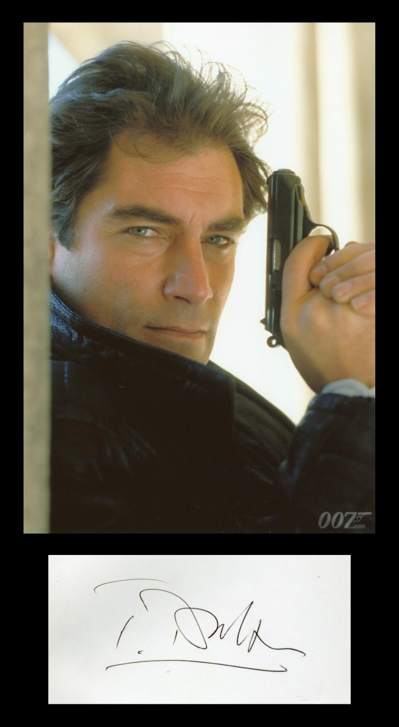 Timothy_Dalton__Rare_signed_autograph__Photo__Paris_1987_Timothy_Dalton__British_actor__James_Bond_Bon