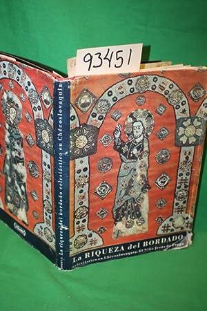 Lariqueza Del Borado Eclesiastico, embroidery of church vestments: Drobna, Zoroslava
