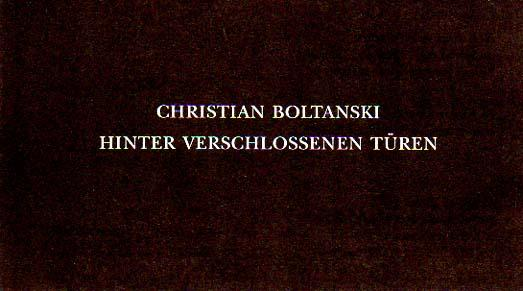 Hinter verschlossenen Türen. Einladung, 25. April bis 20. Juni 1993, Museum Abteiberg, Mönchengladbach. [Einladungskarte].