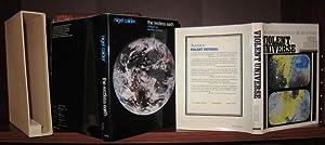 THE RESTLESS EARTH & VIOLENT UNIVERSE [: Calder, Nigel