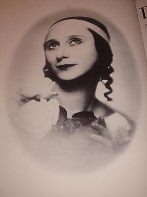 Anna) Pavlova: Portrait of a Dancer: Fonteyn, Margot