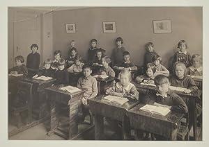Klassfotografi [Photography of a school class].: Bergman]