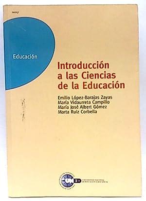 Introducción a las ciencias de la educación: Albert Gómez, María