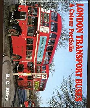 London Transport Buses : A Colour Portfolio
