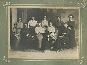 Ritratto di gruppo della compagnia filodrammatica di: FOTOGRAFIA ORIGINALE D'EPOCA