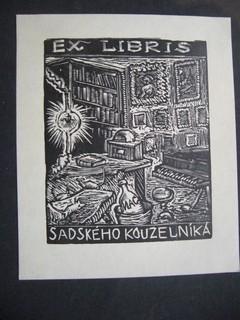 Einfarbiges Ex Libris für Sadského Kouzelniká. Gezeichnet: VÁCHAL, JOSEF: