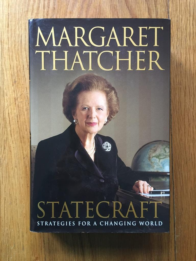 Statecraft_Strategies_for_a_Changing_World_Margaret_Thatcher_Très_bon_Couverture_rigide
