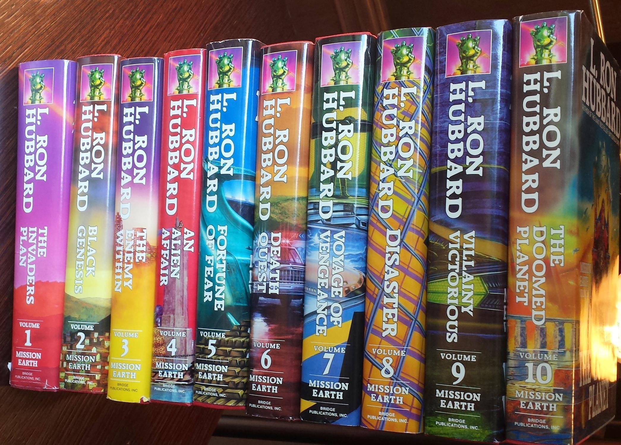 Mission Earth: Complete 10 volume set: L. Ron Hubbard