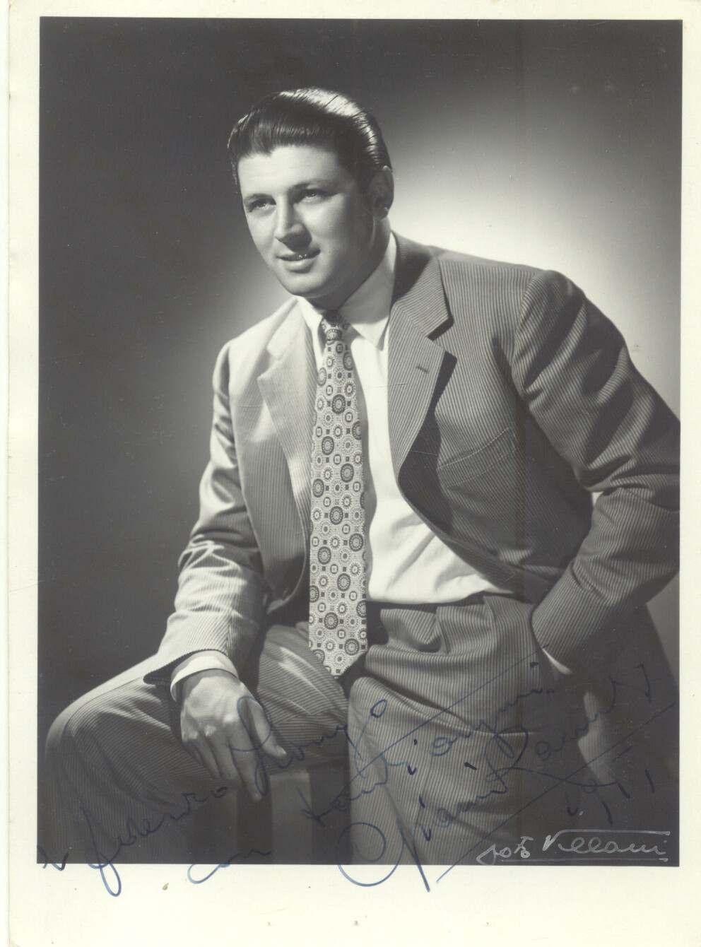 Fotografia originale con dedica e firma autografa del tenore Gianni Raimondi.