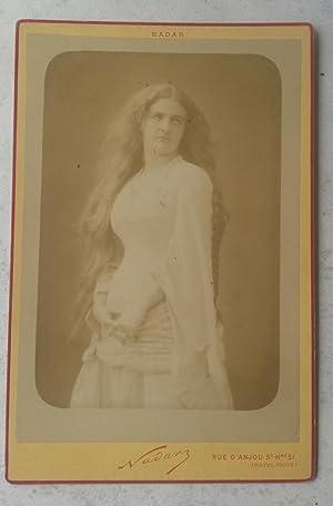 Fotografia originale Nadar della cantante lirica francese Caroline Salla, pseudonimo di Caroline ...