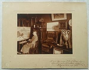 Bella fotografia originale raffigurante il pittore Coriolano Vighi (Firenze, 1846-1905) con dedica ...