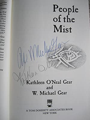 People of the Mist (SIGNED): Gear, Kathleen O'Neal;Gear, W. Michael