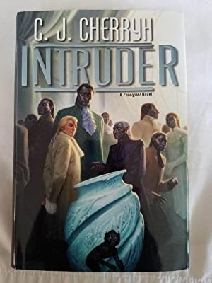 Intruder - A Foreigner Novel