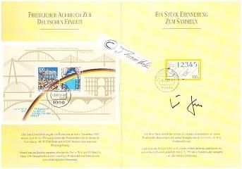 HELMUT KOHL (1930-2017) Dr., deutscher Bundeskanzler HELMUT KOHL (1930-2017) Dr., deutscher Bundeskanzler Post-Sondermarkenmappe mit dem Block FRIEDLICHER AUFBRUCH ZUR DEUTSCHEN EINHEIT, eigenhändig signiert