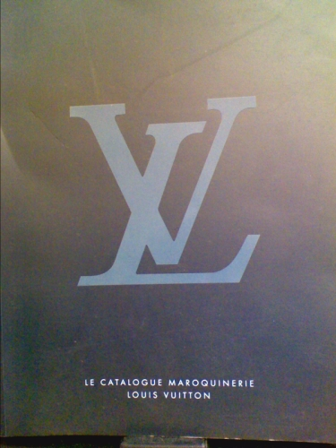 Le Catalogue Maroquinerie Louis Vuitton Louis Vuitton Malletier [Good] [Softcover] Shelf and handling wear to cover and binding, with general signs of previous use. Secure packaging for safe delivery.