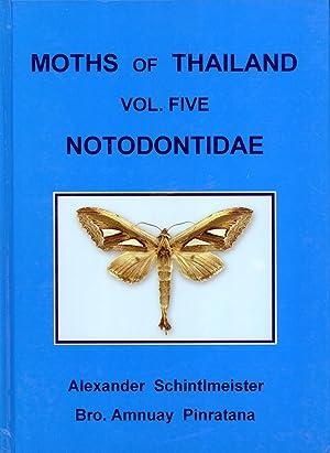 Moths of Thailand. Volume Five: Notodontidae: Alexander Schintlmeister, Amnuay Pinratana