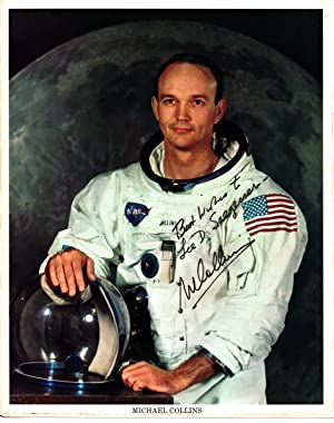 SIGNED PHOTOGRAPH OF ASTRONAUT MICHAEL COLLINS