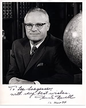 SIGNED PHOTOGRAPH OF HOMER NEWELL