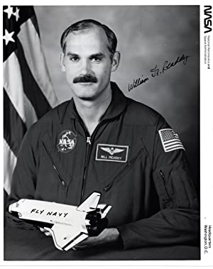 SIGNED PHOTOGRAPH OF NASA SHUTTLE ASTRONAUT WILLIAM F. READDY
