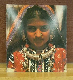 Dowries from Kutch : A Women's Folk Art Tradition in India: Vickie C. Elson
