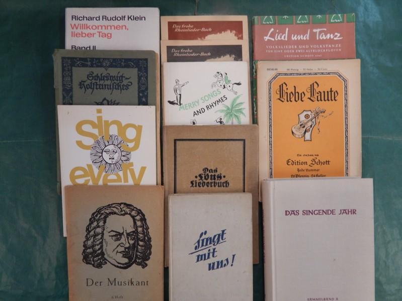 ce50f2f8407b5 Konvolut von 12 Liederbüchern   Liederheften -