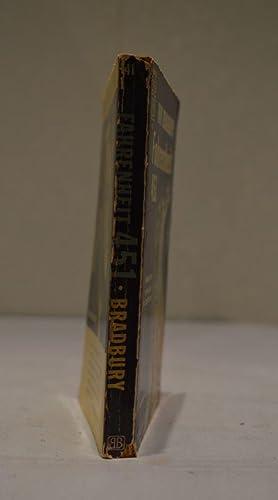 Fahrenheit 451 (with The Playground and The: Ray Bradbury