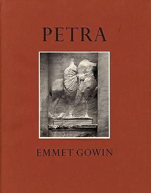 Emmet Gowin: Petra: in the Hashemite Kingdom of Jordan: GOWIN, Emmet, HAMMOND, Phillip C.