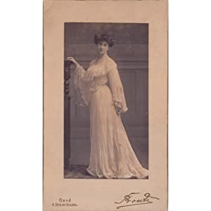 Vintage photo portrait by Studio Bonte - 1903