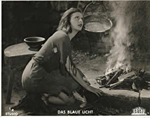 BLAUE LICHT, DAS [BLUE LIGHT, THE] (1932; 1937 reissue): Riefenstahl. Leni (director)