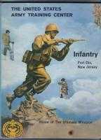 UNITED STATES ARMY TRAINING CENTER - INFANTRY - FORT DIX, NEW JERSEY 1961: No Author