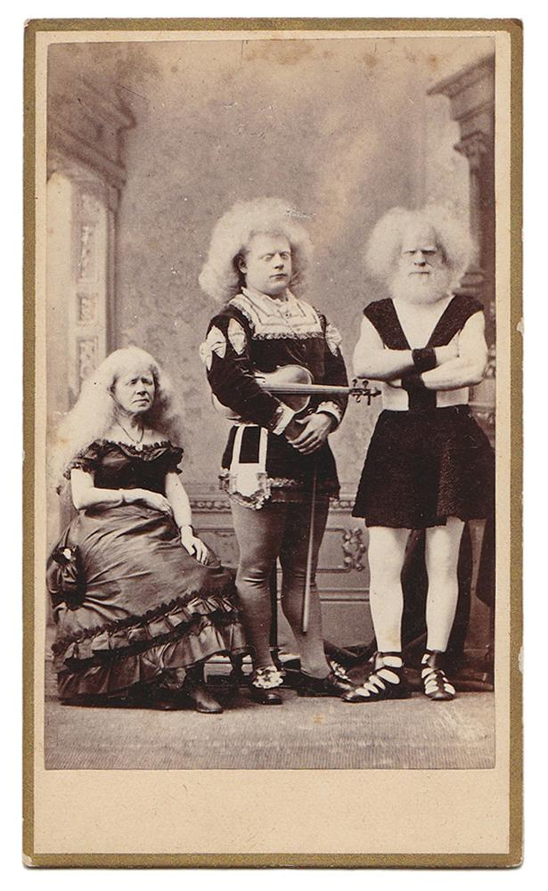 THE ORIGINAL ELIOPHOBUS FAMILY Carte De Visite CDV Lucasie Family