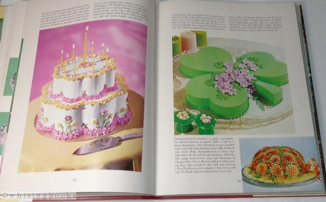 The Wilton Way Of Cake Decorating Volume