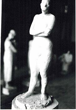 Photograph of the sculpture la Mujer del Circo.