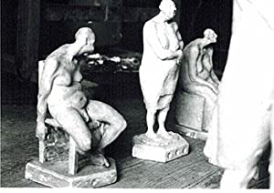 Photograph of the sculptures from the la serie del del manicomio. 1987-88.