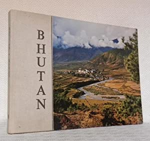 Bhutan. A Physical and Cultural Geography.: KARAN, Pradyumna P.