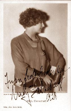 Privatportrait. Photopostkarte (Orig.-Photo) des Ateliers (Wilhelm bzw. Margarete) Willinger.