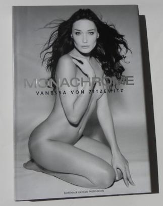 Monachrome.: Zitzewitz, Vanessa von