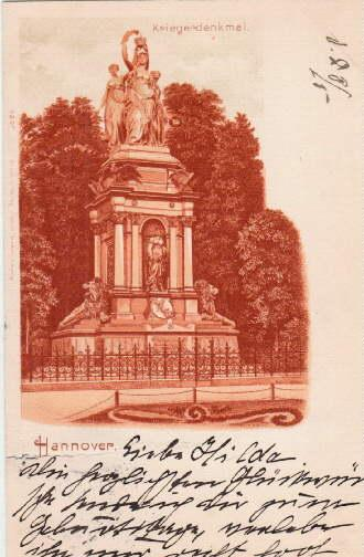 Kriegerdenkmal. Farbige Ansichtskarte, in rotbraun gedruckt. Abgestempelt: Hannover -