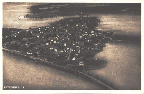 Luftaufnahme. Ansichtskarte in Photodruck. Abgestempelt Grossgrönau 15.08.1929: Ratzeburg -