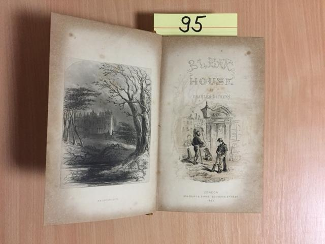 Bleak House (With illustrations by Hablot K.: Dickens, Charles und
