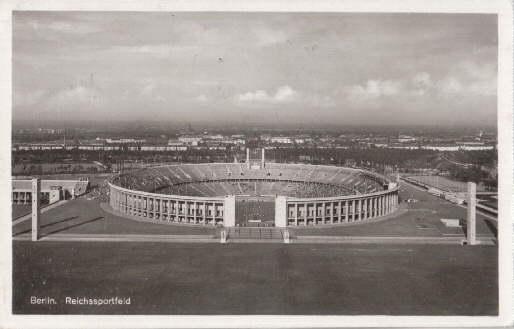 Reichssportfeld. Ansichtskarte in Photodruck. Abgestempelt Berlin 17.07.1940.: Berlin -