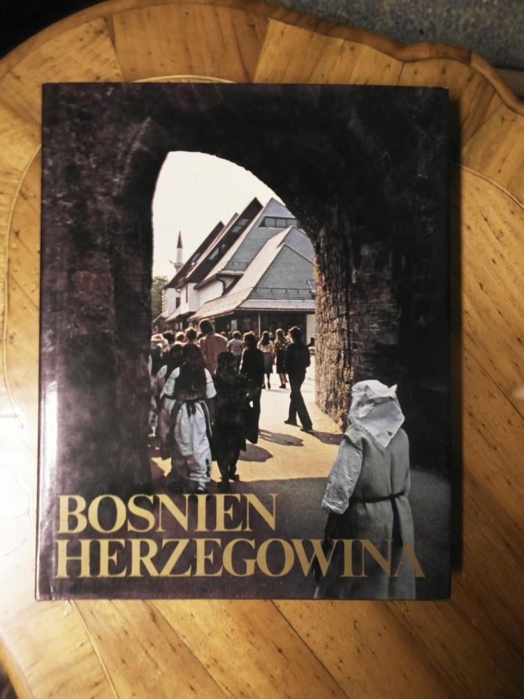 Bosnien- Herzigowina. Übersetzung: Heinz Neubacher.: Benac, Alojz und