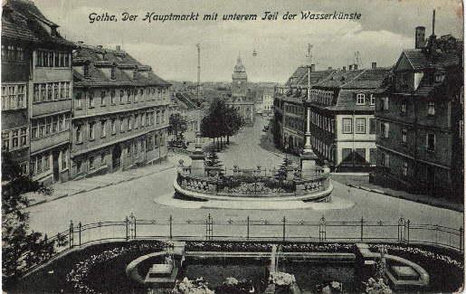 Der Hauptmarkt mit unterem Teil der Wasserkünste.: Gotha -
