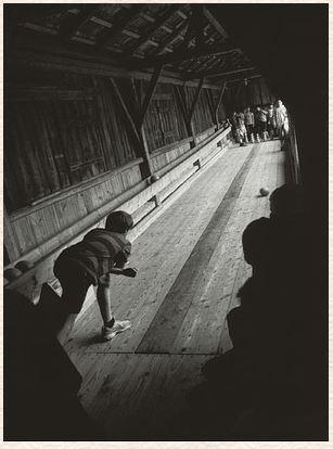 Gestern bleibt heute. Aufzeichnungen mit Photographien von Paul Schaufe. - Kunert, Günter und Paul Schaufe.