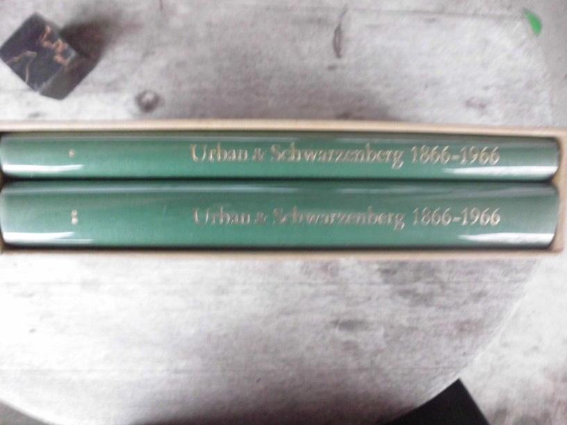 100 Jahre Urban & Schwarzenberg 1866-1966 /: Urban & Schwarzenberg