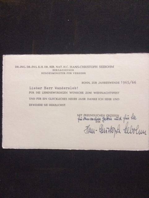 Glückwunschkarte mit eigenhändiger Signatur und kleinem handschriftlichen: Autograph - Seebohm,