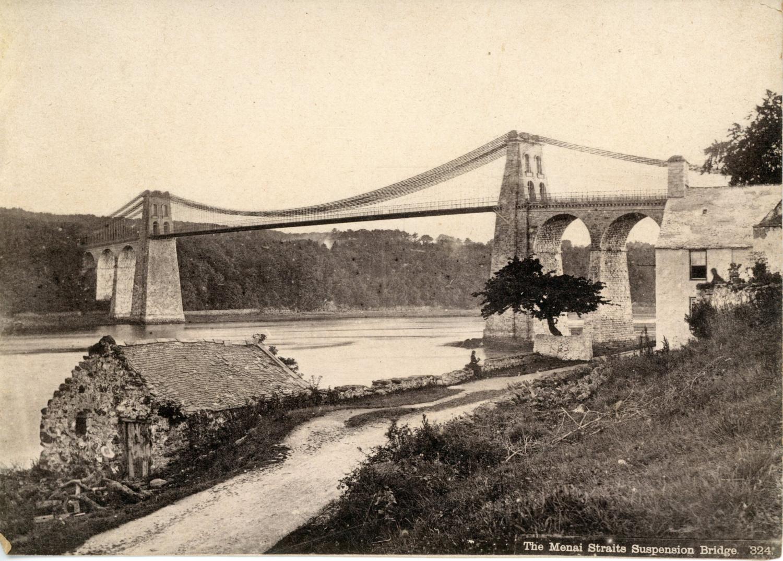 Royaume-Uni, le pont suspendu de Menai, dû: Photographie originale /