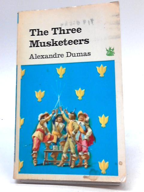 The Three Musketeers (Dragon Books, Green Dragon: Alexandre Dumas