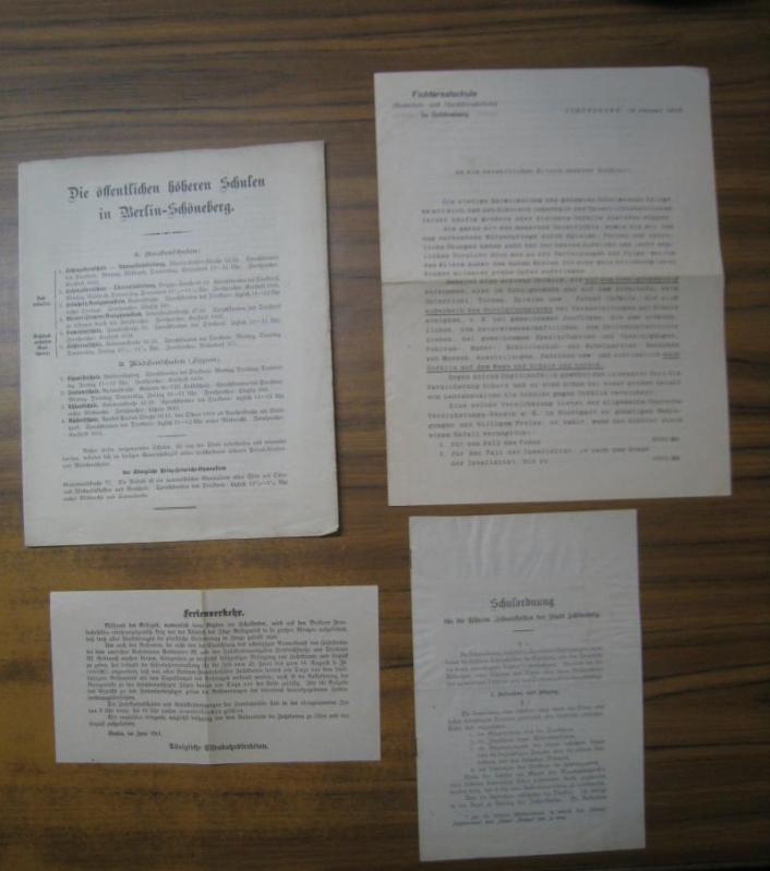 Konvolut bestehend aus 4 Teilen: 1) Die: Berlin - Schöneberg.-